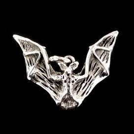 Murcielago simbolo de la noche. Colgante de Plata