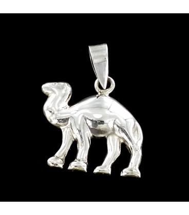 Camello. Colgante de plata