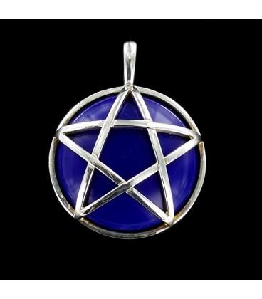 Pentagrama de plata sobre piedra natural