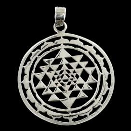 Sri Yantra. Colgante de plata