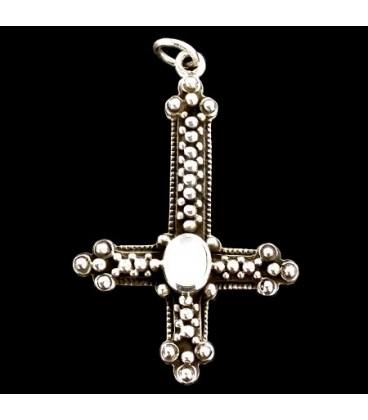 Cruz Invertida de plata ley 925