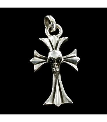 Cruz de plata con calavera. Plata