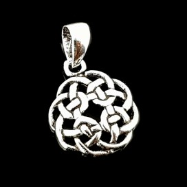 Silver celtic knot with chain