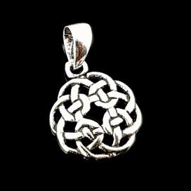 Nudo celta de plata con cadena