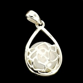 925 Sterling Silver Mounted Nacre Pendant