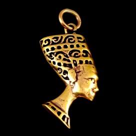 Nefertiti. Colgante bronce