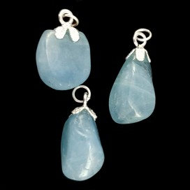 Aquamarine and silver pendant