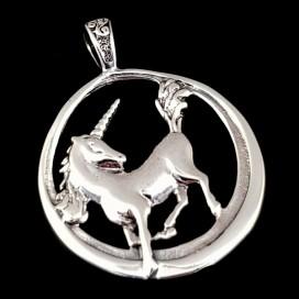 Unicornio. Plata con cadena plata